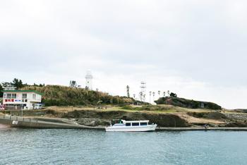 野島崎港と野島崎海底透視船