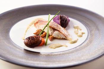 花鯛のポワレ 牡蠣と栗のソース