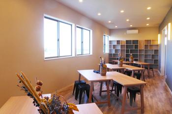 カフェ2階のアトリエ