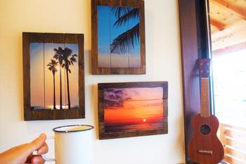 写真と木を組み合わせたアート作品
