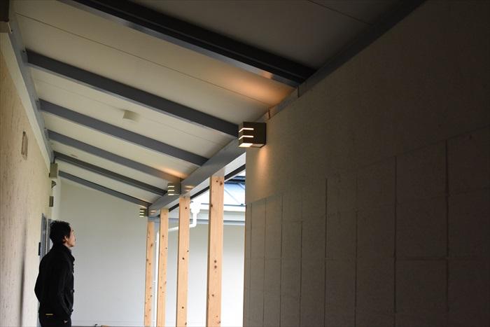 特徴的な斜めの天井