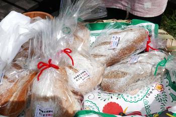 国産小麦100%のパン